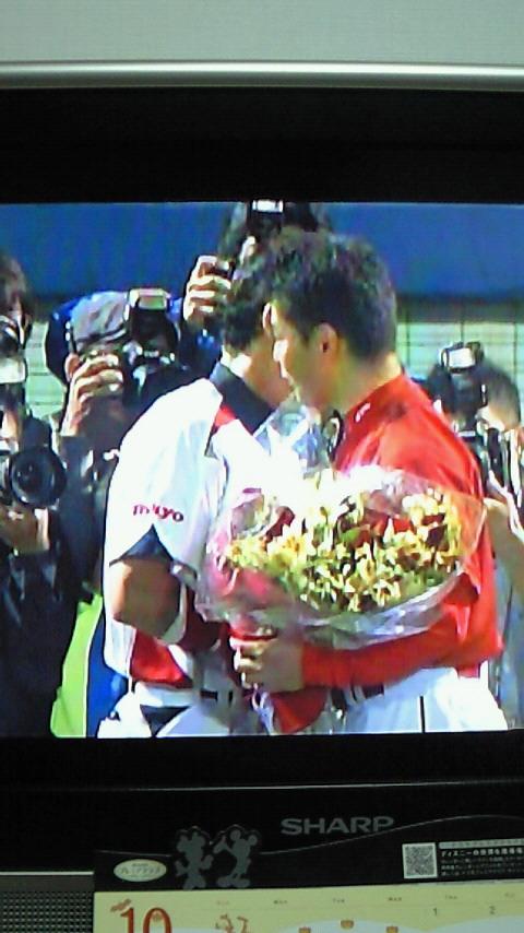 花束贈呈と栗原選手
